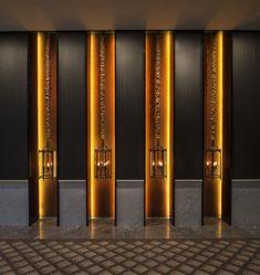 Art gallery in hotel hallway - Keraton at The Plaza, a Luxury Collection Hotel, Jakarta Design Hotel Projects Hotel Hallway, Hotel Corridor, Hallway Art, Deco Restaurant, Restaurant Design, Lobby Design, Design Hotel, Hotel Interiors, Office Interiors