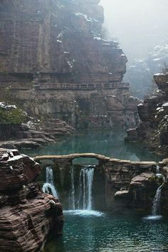 Hongshi Valley at Yuntai Mountain, Henan, China Beautiful World, Beautiful Places, Landscape Photography, Nature Photography, Paraiso Natural, Adventure Is Out There, Beautiful Landscapes, The Great Outdoors, Wonders Of The World
