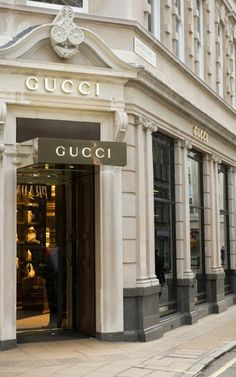 Aesthetic Stores, Boujee Aesthetic, Brown Aesthetic, Aesthetic Vintage, Aesthetic Photo, Aesthetic Pictures, Decoration Facade, Mexican Hacienda, Gucci Store