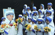 India conmemora aniversario 104 del nacimiento de la Madre Teresa. Visite nuestra página y sea parte de nuestra conversación: http://www.namnewsnetwork.org/v3/spanish/index.php