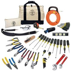 The Klein Tools Journeyman Tool Set includes protective eyewear and a canvas zipper bag. It provides an assortment of durable tools for professional and home use. Hand Tool Kit, Tool Set, Hand Tools, Tool Bag Backpack, Woodworking Power Tools, Woodworking Projects, Klein Tools, Utility Knife, Cool Tools