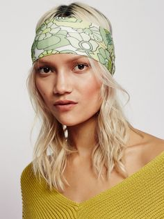 Clarissa Printed Headband | Hold back your locks with this stretchy headband features in super fun designs. American made.