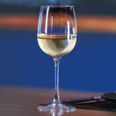 How Oxygen Can Enhance or Destroy White Wine | American Council on Science and Health