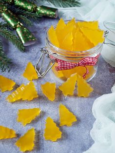 Narancsos gumicukor - Kifőztük Diy Snacks, Yummy Snacks, Low Carb Sweets, Healthy Sweets, Jar Gifts, Food Gifts, Christmas Deserts, Christmas Crafts, Baby Food Recipes