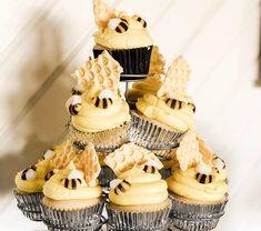 BeeDay party, baby's first beeday, bee themed birthday Bee Birthday Cake, First Birthday Cupcakes, First Birthday Party Themes, Baby Girl First Birthday, Birthday Ideas, Bee Cupcakes, Bee Party, Happy 1st Birthdays, Bee Theme