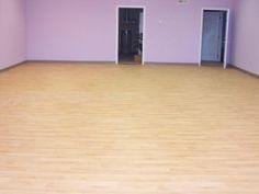 https://www.amefitequipment.com/3-5mm-x-6-x-59-roll-cushioned-back-sheet-vinyl-flooring-maple-oak