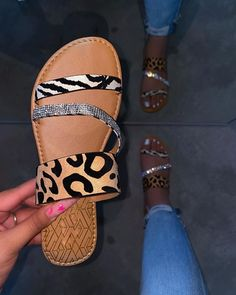 Bling Sandals, Sandals Outfit, Cute Sandals, Fashion Sandals, Cute Shoes, Me Too Shoes, Pretty Sandals, Women's Shoes Sandals, Casual Chique