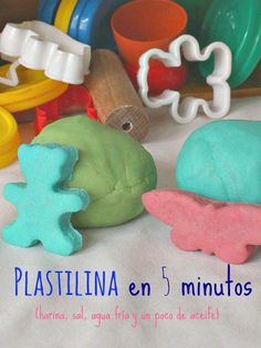 Plastilina casera en cinco minutos Baby Activities 1 Year, Preschool Art Activities, Projects For Kids, Diy For Kids, Crafts For Kids, Laura Lee, Happy Play, Play Day, Homemade Gifts