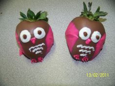 Owl strawberries | Chocolate covered strawberry owls - TERRIfic cupCAKES & more!
