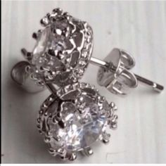 NEW .925 Sterling CZ Crystal Crown Stud Earrings~ NEW .925 Sterling CZ Crystal Clear Crown Stud Earrings~Size 1 inch=2.54 cm; 1 cm=0.39 inch~Smoke Free Home~Comes with sheer jewelry bag~ CZ Jewelry Earrings
