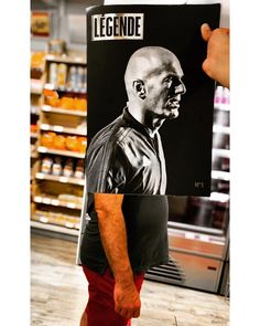 Legende du   #r2life @zidane @legende_lemag #bookface #bookfacefriday @relaycom #foot #football #zidane #picoftheday #photooftheday #artoftheday #gallery #instaart #creative #artist #art #artwork #inspiration #photo #photography #instagood #instamood #instadaily #instaartist #bestoftheday #fun #amazing #iphoneography Digital Media, Football, Instagram, Amazing, Artwork, Prints, Books, Pictures, Fictional Characters