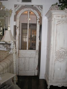 ANTIQUES IN OLD TOWN: Fabulous Posh on Palm...