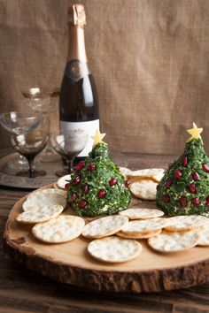 cheese ball trees with herbs and pomegranate - How to Dress Up Your Pre Dinner Cheese Plate this Holiday Season Christmas Entertaining, Christmas Party Food, Xmas Food, Christmas Appetizers, Christmas Cooking, Christmas Goodies, Christmas Cheese, Christmas Brunch, Holiday Treats