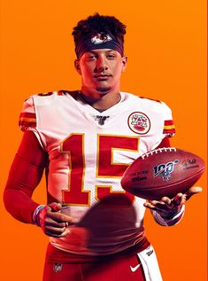 Patrick Mahomes is MADDEN NFL 20 Cover Athlete. He is the eighth Quarterback to grace the Madden cover, and the first in a Chiefs uniform. Kansas City Chiefs Football, Kansas City Nfl, Nfl Football Helmets, Nfl Football Players, Football Art, Funny Football, Nfl Jerseys, Nfl Chiefs, Funny Nfl