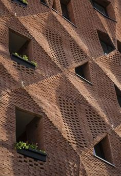 Image 23 of 55 from gallery of Woof Shadow / Tachra Design. Photograph by Parham Taghioff Design Exterior, Brick Design, Facade Design, Brick In The Wall, Architecture Design, Amazing Architecture, Brick Cladding, Brick Art, Brick Detail