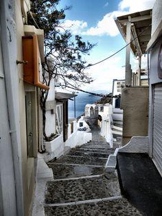Caldera Path, Fira, Santorini Winter