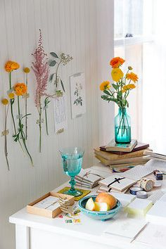 7 Interesting New Ways to Display Flowers