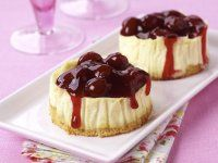 These Mini Cheesecake Tarts are a great PediaSure® recipe full of vitamins and nutrients to promote child growth & development. Banana Berry Smoothie, Berry Smoothie Recipe, Smoothie Recipes For Kids, Mini Cheesecake Tarts, Mini Cheesecakes, Pumpkin Cheesecake, Strawberry Cheesecake, Tart Recipes, Cheese Recipes