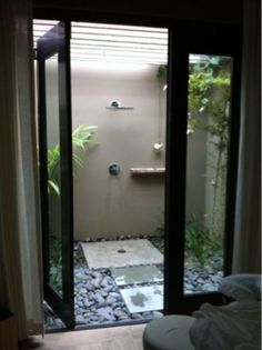 Outdoor Bathrooms 127437864442770722 - I really appreciate this design and I think with an extra side door on the outside wall it can be accessible from the pool / spa deck. Image found on Beach Chic Design: Outdoor shower Source by pinappuru Outdoor Baths, Outdoor Bathrooms, Outdoor Pool, Outdoor Bedroom, Outside Showers, Outdoor Showers, Shower Panels, Small Bathroom, Bathroom Ideas