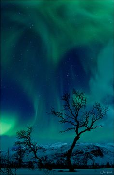 Awesome... The Heart of the Northern Lights by Jan Geerk