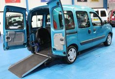 Here is a fully automatic Renault Kangoo, perfect wheelchair accessible vehicle with plenty of space!