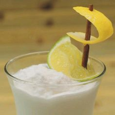 Add a touch of whimsy to your next cocktail party by making these fun lemon-and-lime sailboats. Fruit Garnish, Cocktail Garnish, Grilled Fruit, Bay Rum, Beverages, Drinks, Coastal Living, Sailboat, Glass Of Milk