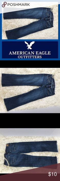 """American Eagle favorite boyfriend jeans size 2 S Super comfy American Eagle favorite boyfriend stretch jeans size 2 short. Waist: 28"""" Inseam: 27 1/2"""" Out Seam: 34 1/2"""" Hips: 34 Leg opening: 17"""" Front rise: 6 1/2"""" Back rise: 12 1/2"""". RN54485 98% cotton 2% spandex (exclusive of decoration) American Eagle Outfitters Jeans Boyfriend"""