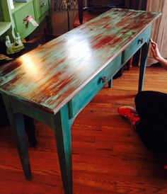 This sofa table is done with Barcelona Orange under a dry brushed mix of Florenc Chalk Paint Furniture, Hand Painted Furniture, Refurbished Furniture, Repurposed Furniture, Shabby Chic Furniture, Furniture Projects, Furniture Making, Furniture Makeover, Home Furniture