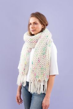 Evyi - <b>8 Fringed Scarf</b><br> natural white with colored mohair<br><br><br> 100% mohair<br> 98% natural merino wool<br> 2% polyamide<br><br><br> Different sizes<br><br> Product will be produced after ordering, delivery ensured within 7-10 days. <br><br> Dry cleaning required.<br><br>