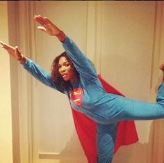 Serena Williams: The Next Avenger When she isn't busy assaulting folks on the tennis court, she is out here fighting crime. Maisie Williams, Celebrity Photos, Celebrity News, Next Avengers, Venus And Serena Williams, Professional Tennis Players, Super Hero Costumes, Girl Guides, Celebs