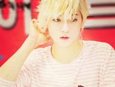 Ren, NU'EST. how can  a guy be prettier & cuter than me???? it only in KPOP!