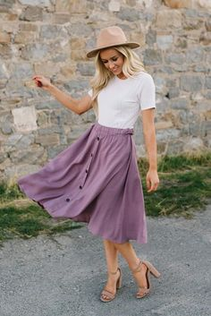 Mauve Flowy Button Down Midi Skirt // Soft and comfortable, this midi skirt offers a stylish and breezy look you'll love showing off. Pair this button down skirt with a cute sweater and booties for a piece you can rock in any season. Stylish Summer Outfits, Modest Outfits, Long Skirt Outfits For Summer, Casual Church Outfits, Trendy Outfits, Nice Outfits, Girly Outfits, Beautiful Outfits, Mauve