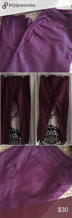 """Simply Vera plus size 16 purple skinny jeans Excellent condition!  Like-new. Waist is approx 19"""" laid flat and inseam is about 29"""".  They are just a bit shimmery!  A very dressy jean. Simply Vera Vera Wang Jeans Skinny"""