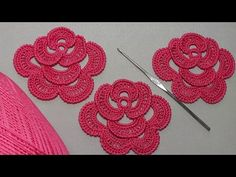 How to crochet a rose. PART Lesson knitted . - Crochet Clothing and Accessories Crochet Simple, Love Crochet, Crochet Leaves, Crochet Flowers, Crochet Motif Patterns, Knitting Patterns, Crochet Pour Halloween, Crochet Flower Tutorial, Irish Crochet Tutorial