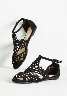 Form Follows Fashion Sandal. Architect an ensemble around these black sandals and street stylistas will approach you with their 35mms at the ready! #black #modcloth