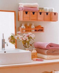 Tips on Organizing Small Bathrooms