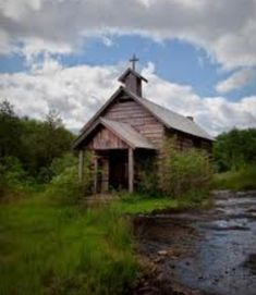 An abandoned church in rural Arkansas by holly Abandoned Churches, Old Churches, Abandoned Mansions, Abandoned Places, Church Building, Building A House, Old Country Churches, Country Houses, Take Me To Church
