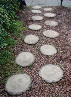 stepping stones made from wood slices. stepping stones made from wood slices. Wood Walkway, Backyard Walkway, Outdoor Walkway, Backyard Landscaping, Walkway Ideas, Backyard Designs, Pergola Ideas, Landscaping Ideas, Backyard Ideas