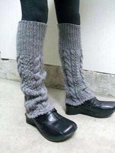 f:id:manekineko85:20130906113641j:image Crochet Boot Cuffs, Crochet Boots, Knitting Socks, Knit Crochet, Knit Socks, Knitting Patterns, Winter Fashion, Fashion Outfits, Handmade