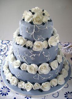 Summer blues wedding cake