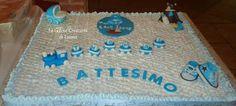 http://www.facebook.com/photo.php?fbid=289435041156813=a.289096517857332.51374.289089631191354=3 una torta decorata con la panna con cake topper in pasta di zucchero...