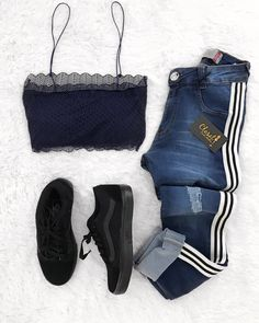 Simplesmente e perfeito 😍 Outfits For Teens, Trendy Outfits, Cool Outfits, Teen Fashion, Fashion Outfits, Womens Fashion, Mode Rockabilly, Tumblr Outfits, Feminine Style