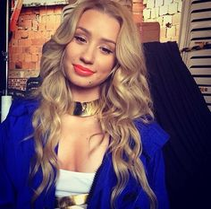 Iggy Azalea omg I love this girl Very disappointed she didn't win A Grammy tonight! She is in a category known to be a man's world. But he can rap! Iggy Azalea, Lil Debbie, The New Classic, Hot Hair Styles, Woman Crush, Girl Crushes, Her Hair, My Idol, Beautiful People