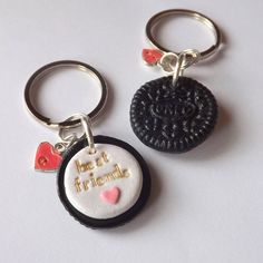 Personalized best friend oreo keychain set! A set of two best friend cookie keychains with hand stamped details and initial heart charms.