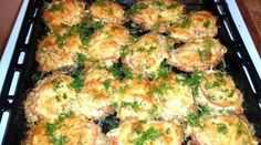 Mäso na francúzsky spôsob z jedného pekáča. Lithuanian Recipes, Hungarian Recipes, Russian Recipes, Salty Foods, Pork Dishes, Healthy Alternatives, Baked Chicken, Soul Food, Food And Drink