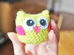 How to crochet this adorable tiny yellow owl!  Found via TipJunkie.com