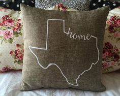 Wouldnt want to call anywhere other than Texas, home! 16 x 16 Burlap pillow, with home incorporated into the Texas outline, pillow insert included! *If local in College Station/Bryan area, feel free to message me and we can arrange to meet to avoid shipping cost and time!*