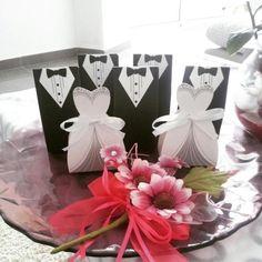 Barato 50 Pcs casos de presente do noivo smoking vestido fita vestido de noiva…