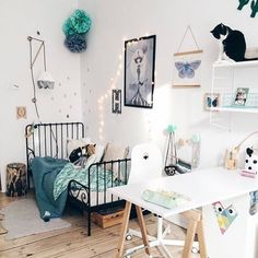 """43 Likes, 1 Comments - Jacinta Oxford (@roxyoxy_creations) on Instagram: """"Fabulous room with touches of MINT and one adorable cat... Pic credit @roomor_  #kidsinterior…"""""""