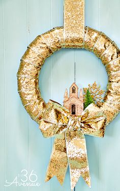 Check out how to make this Christmas Wreath in just minutes! One Wreath Three Ways Tutorial at the36thavenue.com